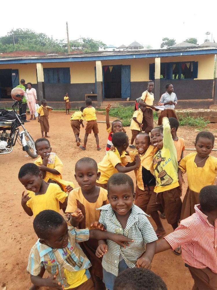 Cesta do Ghany a místních škol – léto 2019